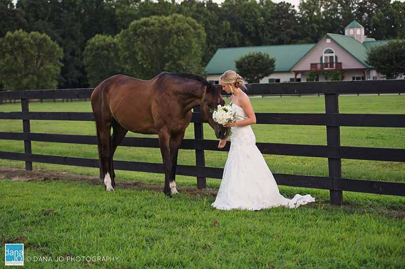 Horse-Bride-farm-wedding-washington-nc