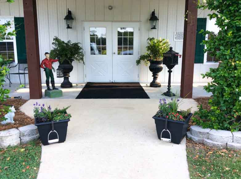 fox-hollow-farm-wedding-venue-entrance