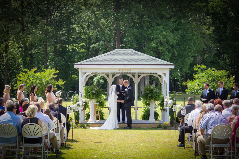 outdoor-wedding-gazebo-fox-hollow-farm