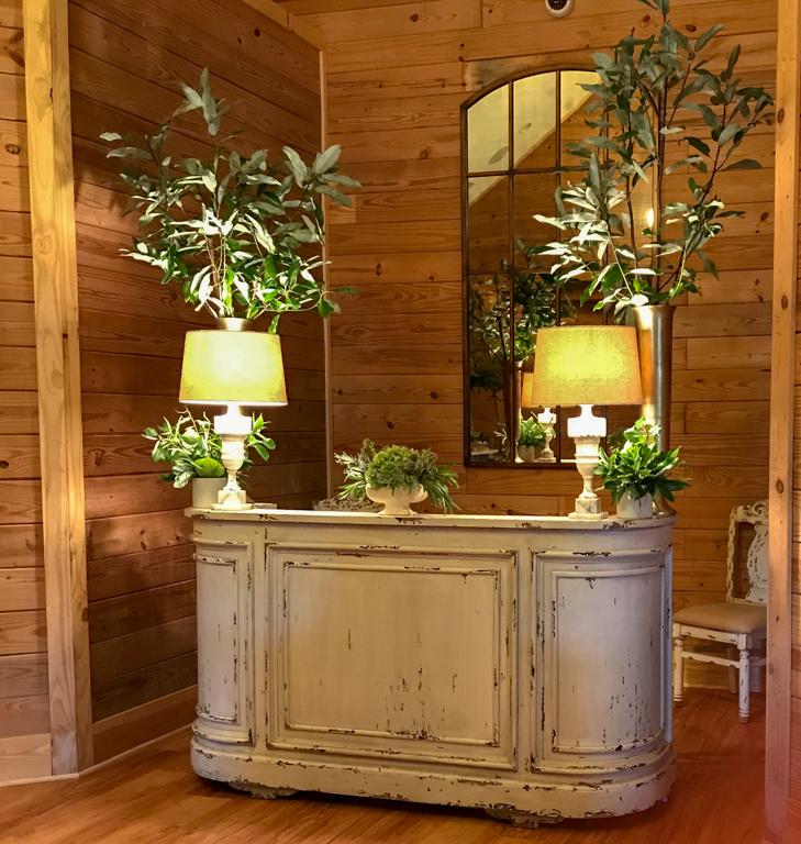 Decorated-Bar-Fox-Hollow-Farm-Venue
