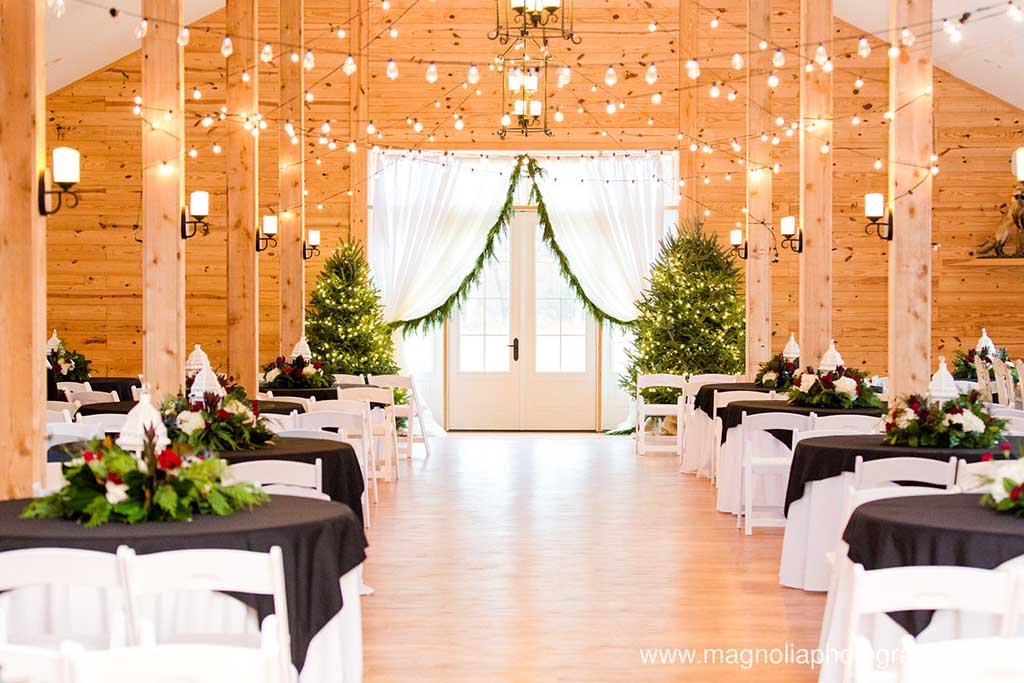 fox-hollow-farm-christmas-wedding-photos-006